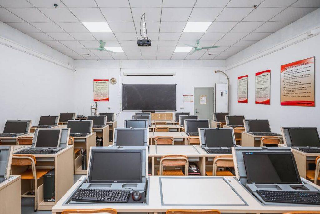 验光师培训学校|多功能电教室