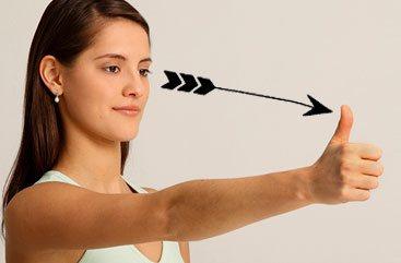感到眼睛疲劳吗?快用这8个动作保护你的视力