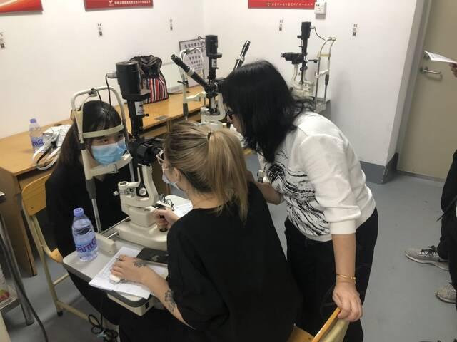 [眼镜店验光师培训要多久]-哪里可以报名验光师培训